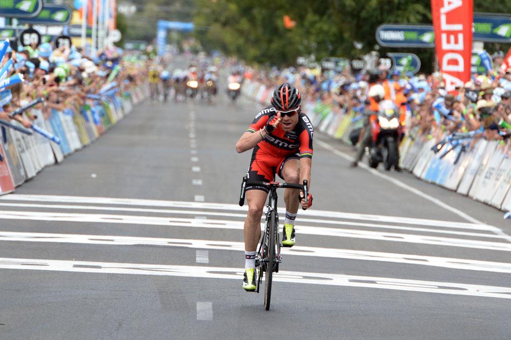 Cadel Evans conclut l'étape 15 secondes devant ses poursuivants