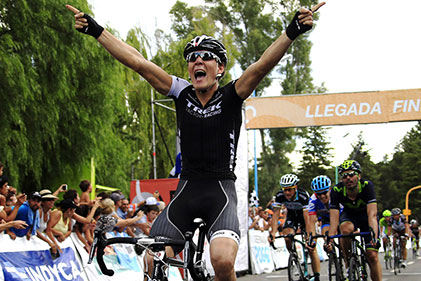Giacomo Nizzolo vainqueur au sprint