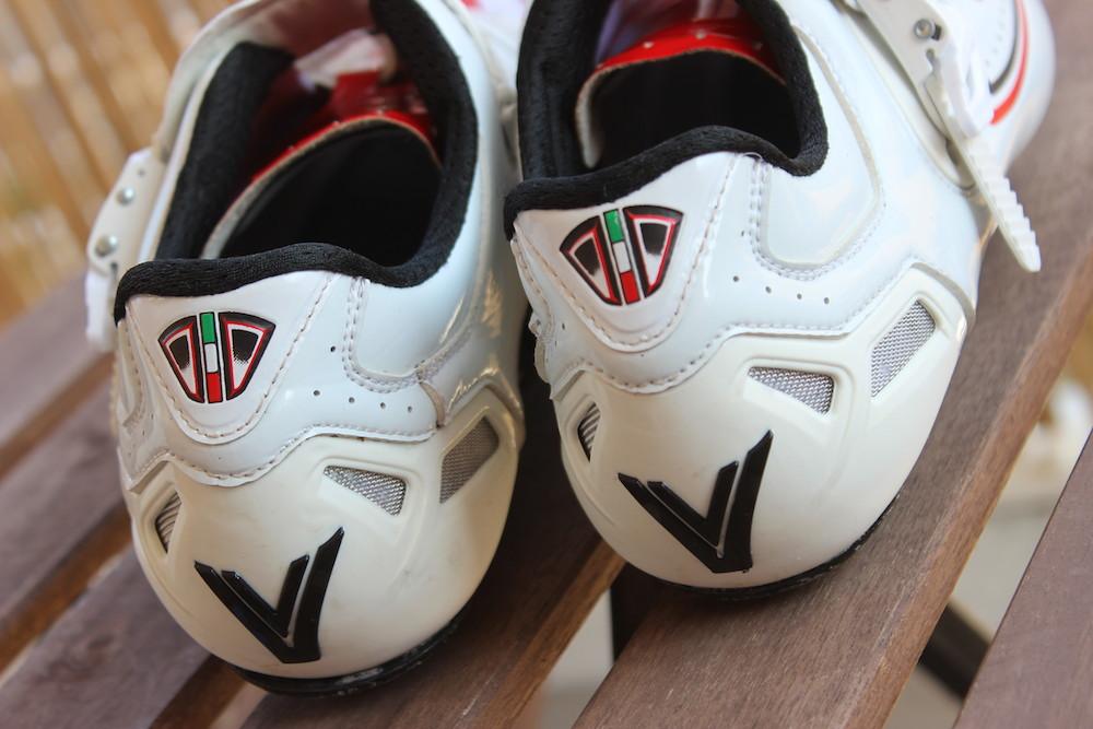 Les chaussures Vittoria V-Pro