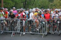 Les coureurs sont dans les différents sas, prêts à partir pour le fictif dès 7h50