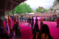 Le public irlandais salue le Team Sky au moment de la présentation des équipes