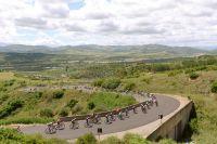 Le peloton du Giro dans les terres