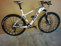 Le vélo de Julie Bresset, Team BH-SR Suntour-KMC