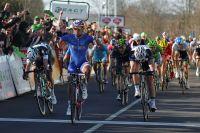 Nacer Bouhanni victorieux à l'entame de Paris-Nice