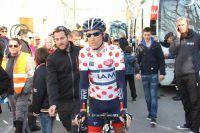Sylvain Chavanel entouré de fans
