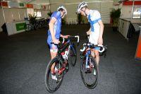 Arnaud Courteille et Jussi Veikkanen étudient leurs montures