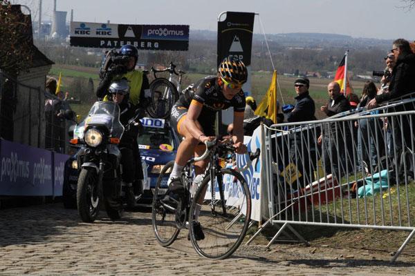 Elisa Longo-Borghini à l'attaque au Tour des Flandres Dames