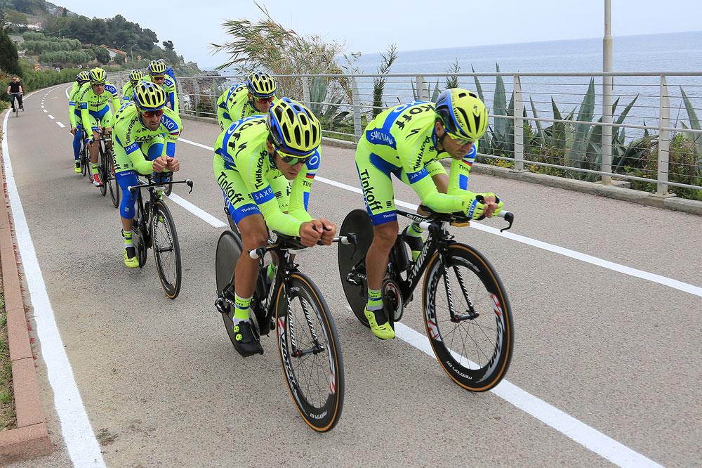 Les Tinkoff-Saxo en reco sur le parcours du chrono par équipes