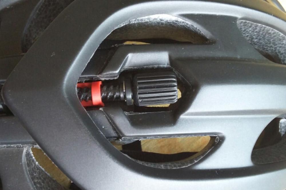 Le Lazer Blade possède un système de serrage bien particulier