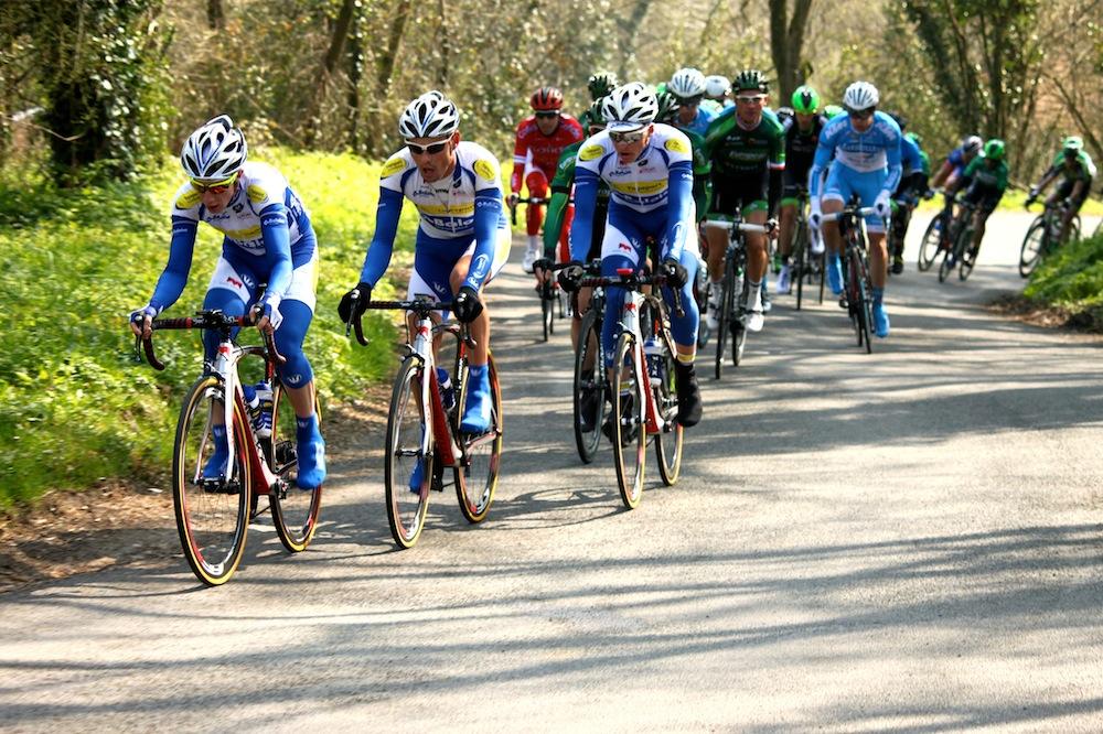 L'équipe Topsport Vlaanderen-Baloise assure seule la charge de la poursuite
