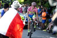 Alberto Contador attaque dans le Monte Ologno