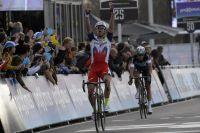 Alexander Kristoff vient facilement à bout de Niki Terpstra pour remporter le Tour des Flandres