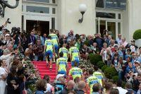 Tinkoff-Saxo monte les marches du casino de San Remo