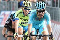 A Abetone, Fabio Aru arrache 4 secondes de bonification à Alberto Contador
