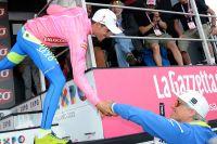 Oleg Tinkov salue son leader Alberto Contador