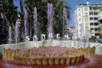 La mythique fontaine dello Zampillo de San Remo s'est mise au rose !