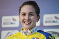Juliette Labous tout sourire avant de recevoir sa médaille d'or
