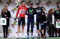 Tim Wellens et Leopold König entourent Alejandro Valverde
