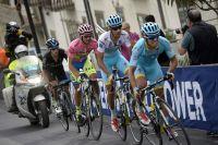 Epaulé par Mikel Landa, Fabio Aru teste encore Alberto Contador