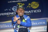 Nairo Quintana enfile le maillot bleu de leader de Tirreno