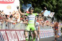 Nicola Boem laisse éclater sa joie en remportant la 10ème étape du Giro