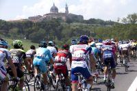 Le peloton du Giro sur les routes d'Emilie-Romagne