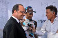 François Hollande rend visite au Tour de France