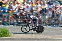Tom Dumoulin fend la foule néerlandaise
