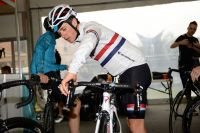 Peter Kennaugh contrôle ses freins