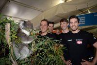Un koala amuse Koen De Kort et Tom Dumoulin