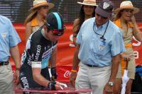 Mark Cavendish signe la feuille de départ