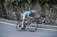 Vincenzo Nibali plonge dans la descente du Civiglio