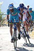 Vincenzo Nibali accélère, Thibaut Pinot résiste