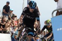 Chris Froome donne l'assaut