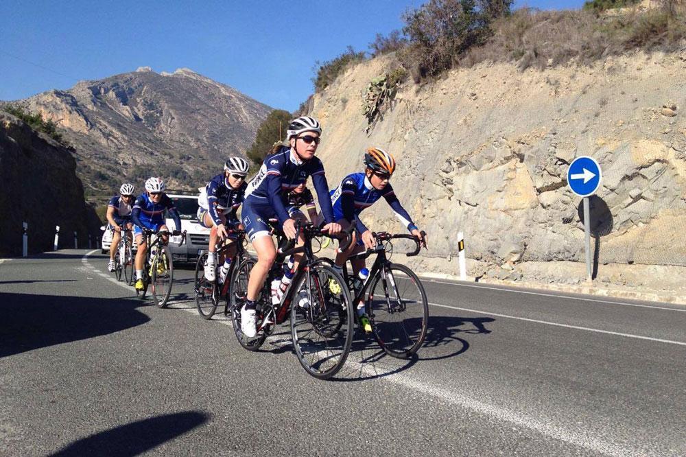 L'équipe de France VTT en stage... sur la route