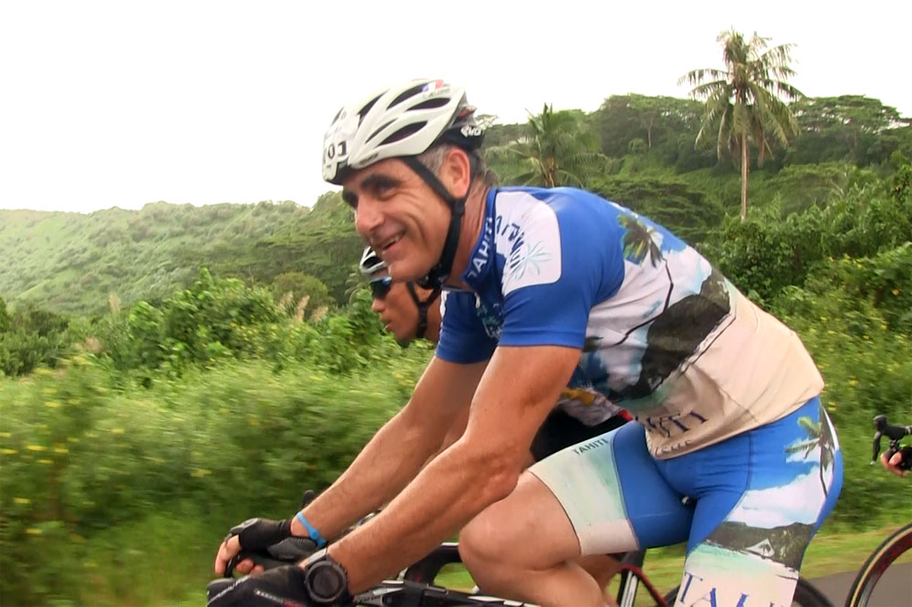 Laurent Jalabert roule à Tahiti