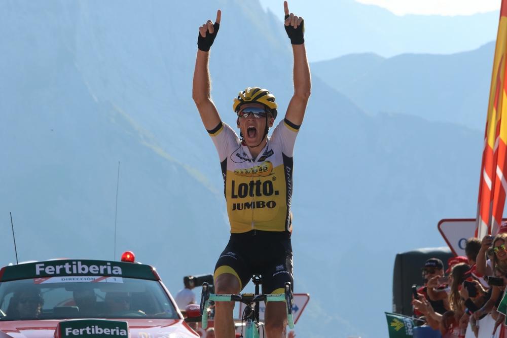 Robert Gesink remporte l'étape reine en haut de l'Aubisque