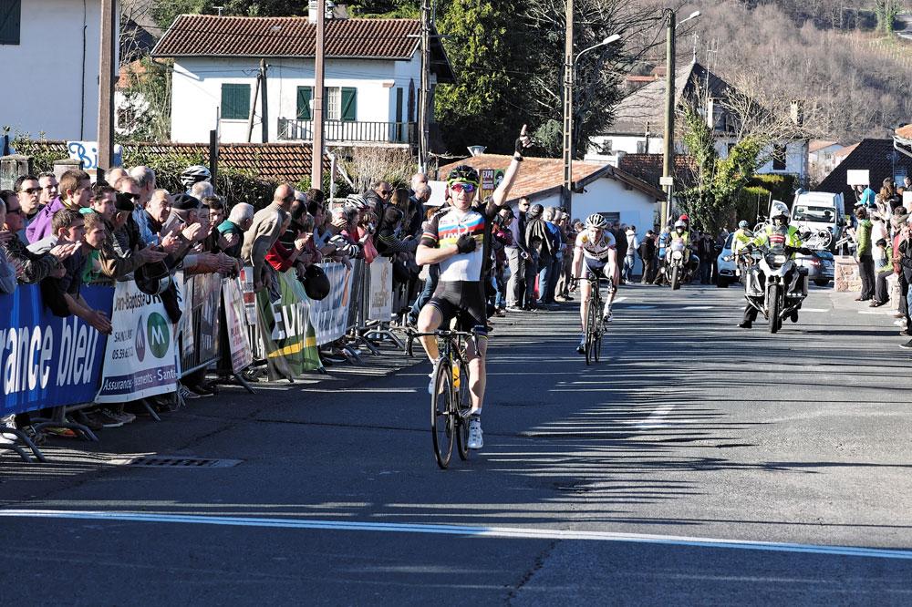 Samuel Plouhinec vainqueur sur l'Essor Basque