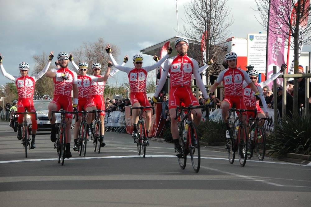 Démonstration collective du Vendée U au Circuit des Plages Vendéennes