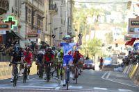 Sur la Via Roma, Arnaud Démare mène le sprint parfait