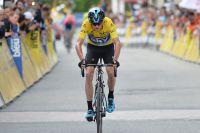 Longtemps menacé par Romain Bardet, Chris Froome conserve son maillot jaune
