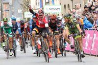 Cyrille Patoux bat au sprint le peloton du Tour de Bretagne