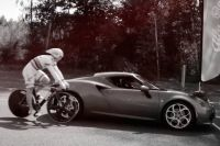 François Pervis affronte une Alfa Romeo