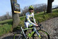 Filippo Pozzato pose pied à terre dans la terrible montée du Koppenberg