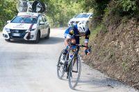 Gianluca Brambilla à l'attaque dans les parties en routes blanches