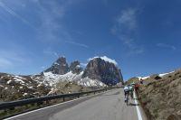 Le Tour d'Italie entre dans les Dolomites