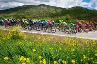 Le peloton du Tour d'Italie dans les Abruzzes