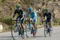 Nairo Quintana emmène son compatriote Miguel-Angel Lopez et porte son frère Dayer vers la victoire au général