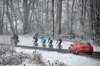 La neige s'invite sur Paris-Nice