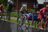 Pierre Latour s'accroche mais abandonne son maillot jaune